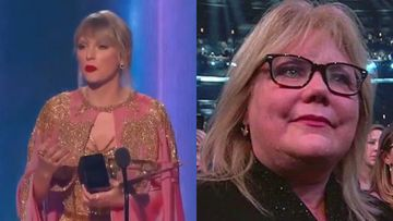 Taylor Swift's Mother Cries A River As She Is Honoured With Artist Of The Decade At AMAs