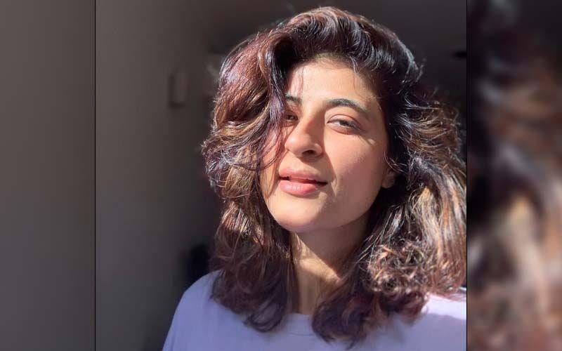 Tahira Kashyap Posts A Stunning 'Bald, Badass And Bikini' Picture; Takes A Jibe At Uttarakhand CM's 'Ripped Jeans' Remark