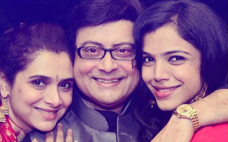 Party Begins For Sachin & Supriya Pilgaonkar's Daughter Shriya