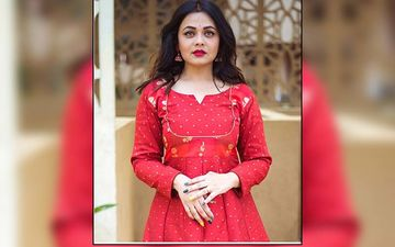 """Happiness Is The Best Makeup"", Prarthana Behere Says As She Enjoys Getting Clicked By Her Husband"