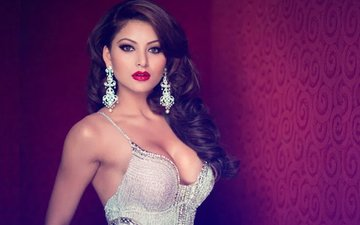 5-Star Room Booked In Urvashi Rautela's Name, Blame It On Her Aadhar Card