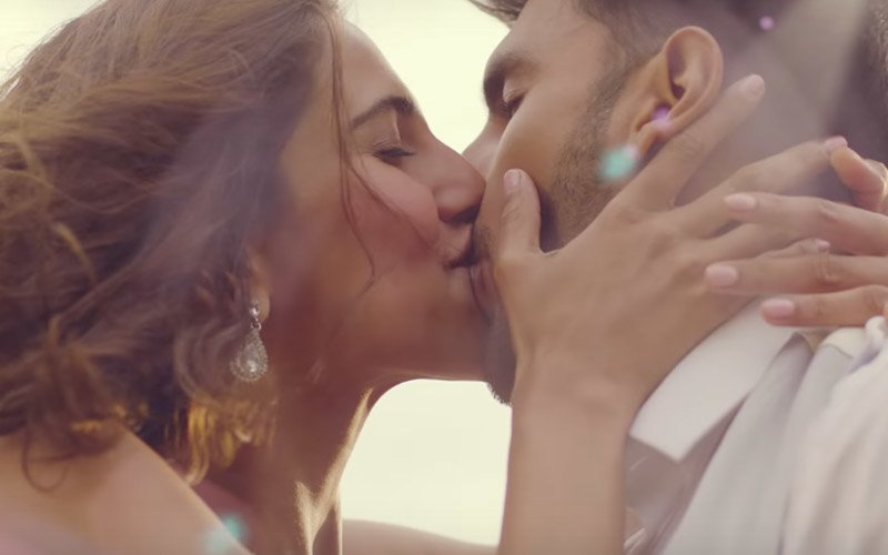 What! Ranveer Singh-Vaani Kapoor's Befikre Trailer Cleared With A U/A Certificate Despite 12 Hot Kisses