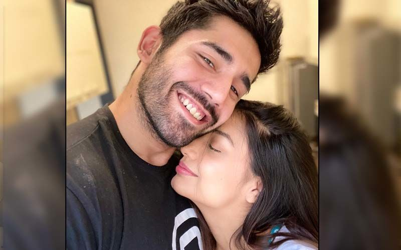 Divya Aggarwal Reveals She and Boyfriend Varun Sood 'Love To Tease Each Other By Posting Hot Pictures' Of Themselves When They Are Apart