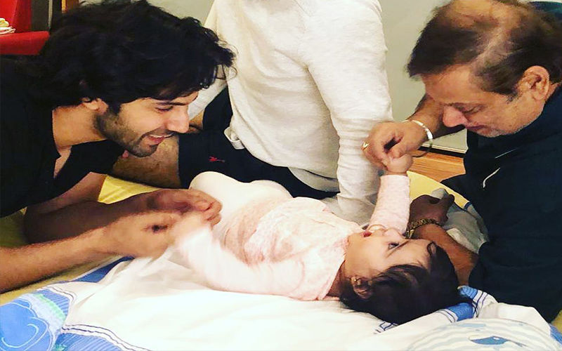 Varun Dhawan Playing With His Little Niece Is The Cutest Thing You Will See On The Internet Today – Watch Video!