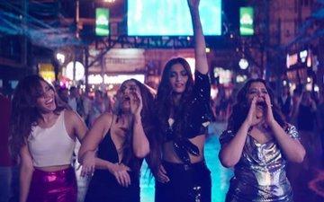करीना की कमबैक फिल्म 'वीरे दी वेडिंग' का दमदार ट्रेलर हुआ रिलीज, सोनम और स्वरा की केमिस्ट्री भी मस्त