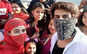 Kartik Aaryan And Sara Ali Khan Click Selfies With Fans But With Their Faces Covered