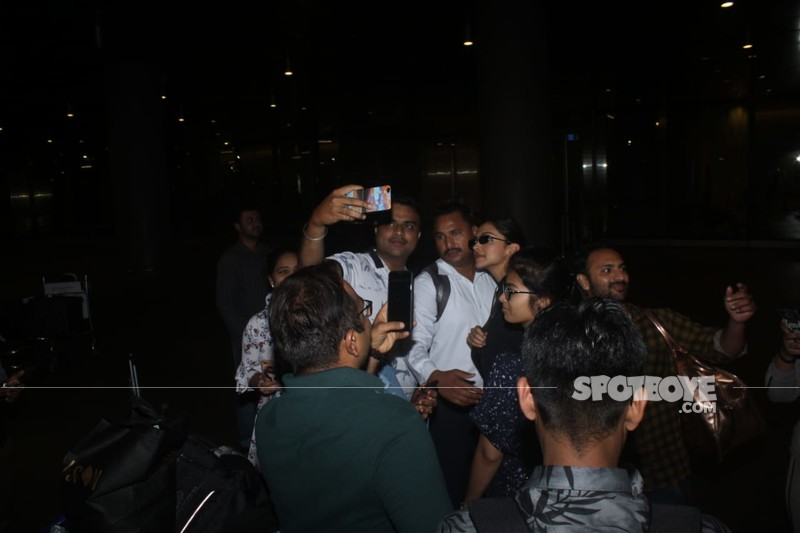 Deepika With Fans