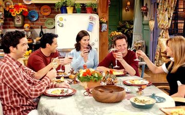 FRIENDS Thanksgiving Episodes To Come To Movie Theatres; Celebrate 'Friendsgiving' With Ross, Rachel, Monica, Joey, Chandler, And Phoebe