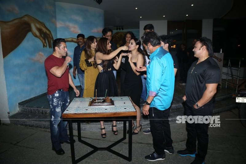 Saiee Manjrekars birthday celebration