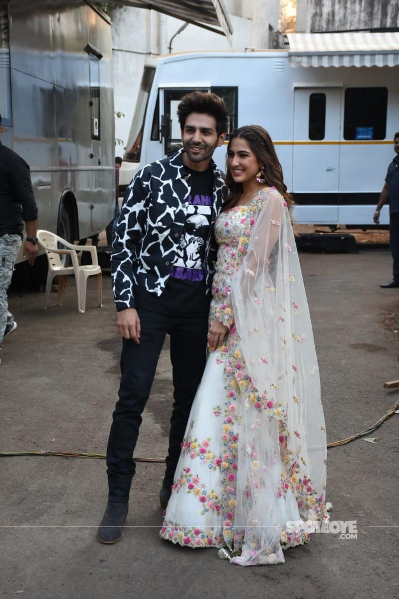 Kartik Aaryan and Sara Ali Khan at Love Aaj Kal promotions