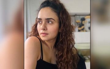 Amruta Khanvilkar Shares A Video Of Her Tik-Tok Shenanigans With Her Mom