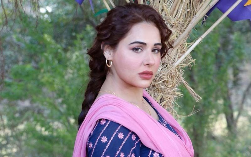 Mandy Takhar Channels Ethnic Vibes In A White Salwar Suit; Shares Pic On Insta
