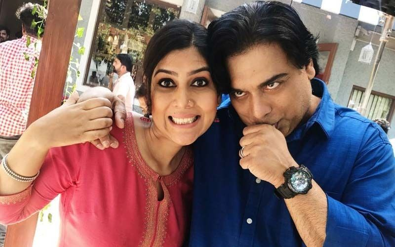 Ram Kapoor Is 'Missing' His Co-star Sakshi Tanwar From Bade Achhe Lagte Hain; Actor Revisits Old Memories Via Throwback Photos