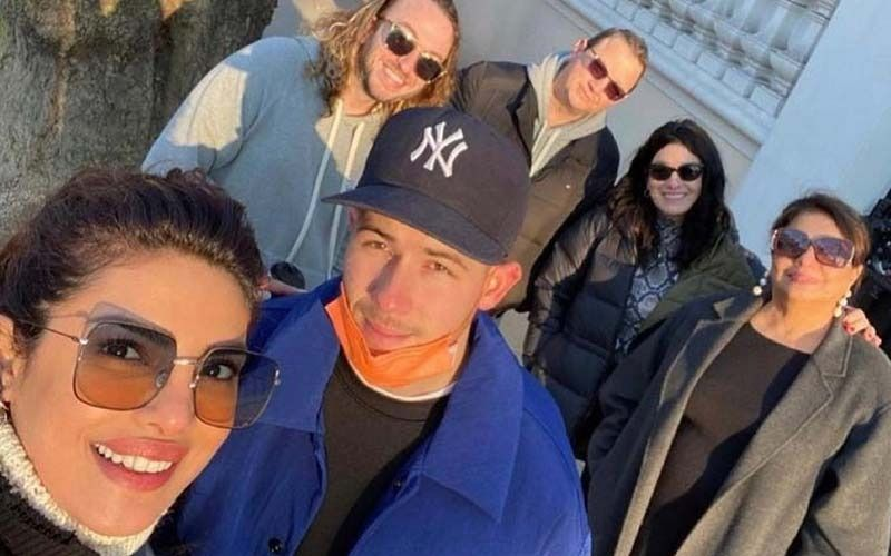 Priyanka Chopra And Nick Jonas Spend Their Weekend Golfing With Friends; Actress Drops A Video From Jonas Brothers Concert-See Posts