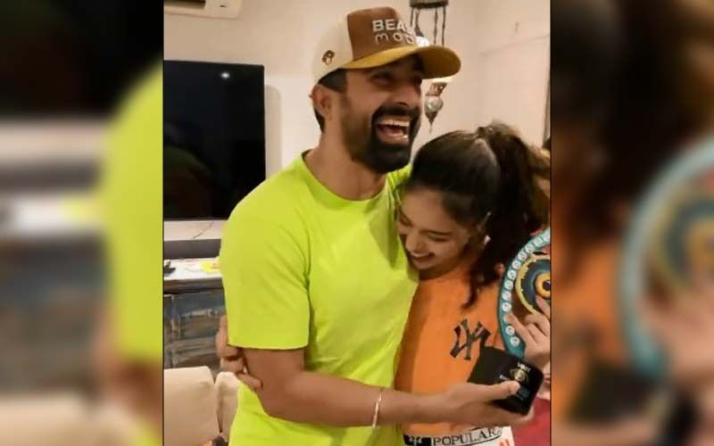 Rannvijay Singha Is Proud Of Bigg Boss OTT Winner Divya Agarwal; Says 'After She Lost Her Father, She Has Become Very Responsible'