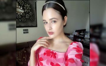 Bigg Boss 9 Fame Yuvika Chaudhary Arrested For Using Casteist Slur In A Video; Actress Released On Interim Bail