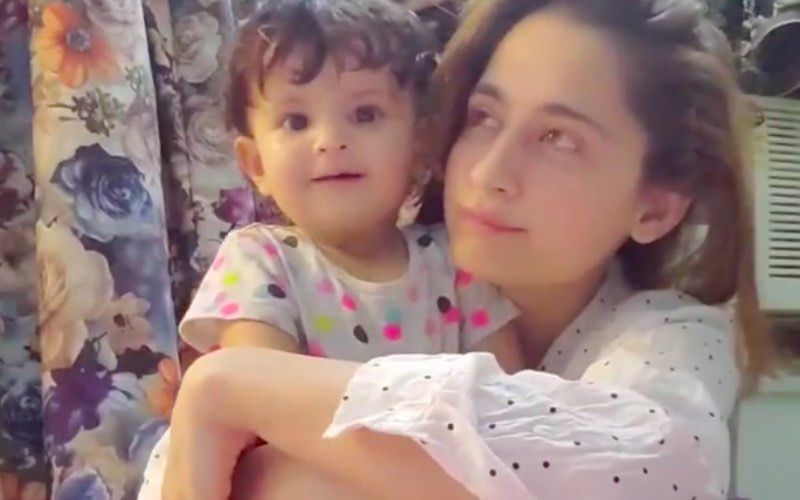 Sanjeeda Shaikh's Daughter Arya Will Leave You Awestruck; Check Out Their 'Night Homework' — VIDEO