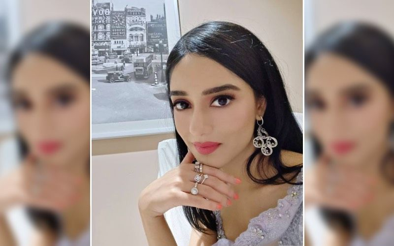 Amrita Rao Gets A Classy Makeover Post-Delivery Amid The COVID Crisis; Also Hopes That Things May Get Better Soon – VIDEO