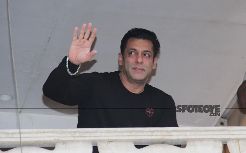 Salman Khan Distributes 5000 Food Packets To COVID-19 Frontline Workers; Actor Monitors And Personally Tastes The Items Before Sending It Out-WATCH