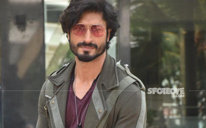 Google Mentions Commando Fame Vidyut Jammwal As One Of The 'Top Martial Artists In The World'; Joins The Likes Jackie Chan, Bruce Lee