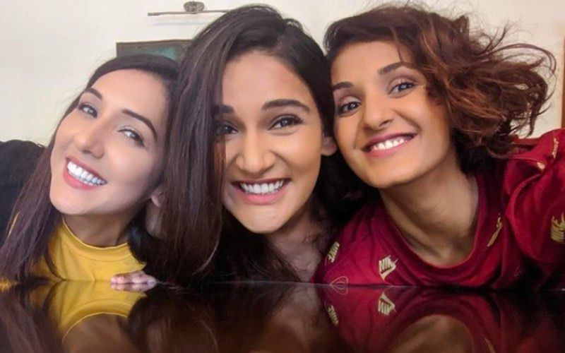 Preggers Neeti Mohan Reveals Sisters Shakti And Mukti Are Excited And Can't Wait To Meet Her 'Mini Version'