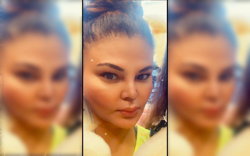 Bigg Boss 14's Rakhi Sawant Steps Out To Have Coconut Water; Offers Fruits To Needy Kids But Not Without Her Antics – VIDEO