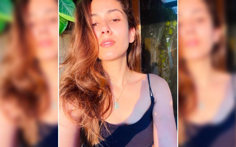 Mira Rajput Sees A Ray Of Hope After 'Seeing The Incredible Power Of Empathy And Shared Humanity'; Shares A Beautiful Sunkissed Photo