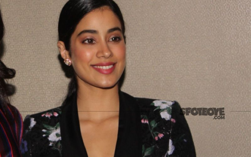 Janhvi Kapoor Requests People To Help A Girl Who Lost Her Mother And Now Desperately Needs ICU Bed For Her Father Amid COVID-19 Crisis