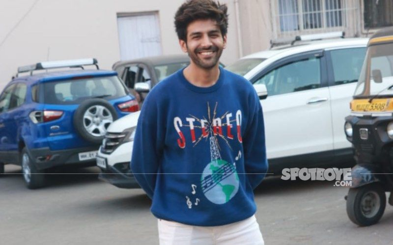 COVID-19 Positive Kartik Aaryan Flaunts His 'Glowing Tvacha'; Shares His Hilarious Take On Night Curfew