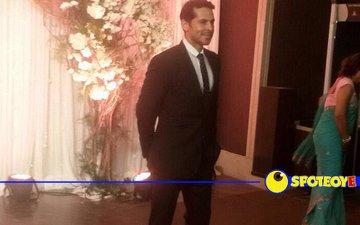 Dino first to arrive at Bipasha-Karan's wedding