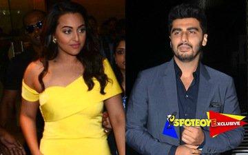Sonakshi-Arjun look through each other at Hrithik's b'day bash