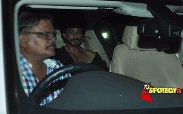 SRK at friend Karim Morani's b'day bash