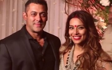 Salman reveals his wedding plans at Bipasha's reception