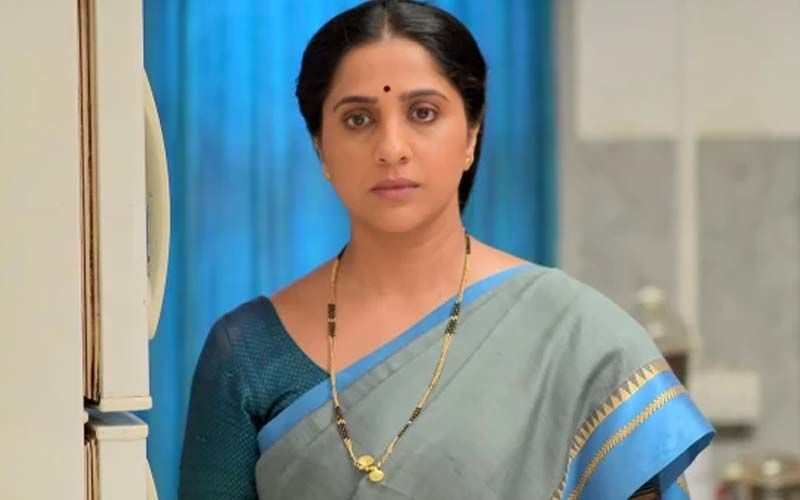 Aai Kuthe Kaay Karte May 19, 2021, Written Updates Of Full Episode: Devastated With Abhishek And Ankita's Wedding, Anagha Leaves The House