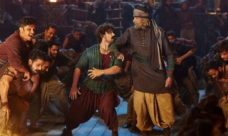 ठग्स ऑफ़ हिंदोस्तान के गाने में एक साथ कदम से कदम मिलाते दिखाई देंगे आमिर खान और अमिताभ बच्चन