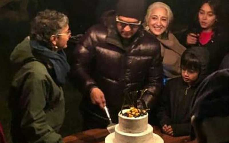 Aamir Khan Sings 'Tum Bin' For Wife Kiran Rao As They Celebrate 15th Anniversary With Ira And Azad; Inside Pictures And Video From The Bash Make It To The Web