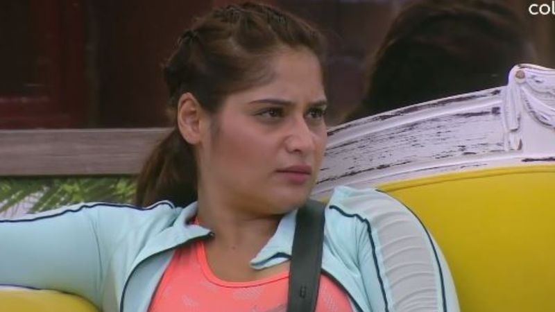 Bigg Boss 13: Arti Singh Breaks Down, 'My Mother Passed Away Of Cancer When I Was Born, Have Never Received Father's Love Either'