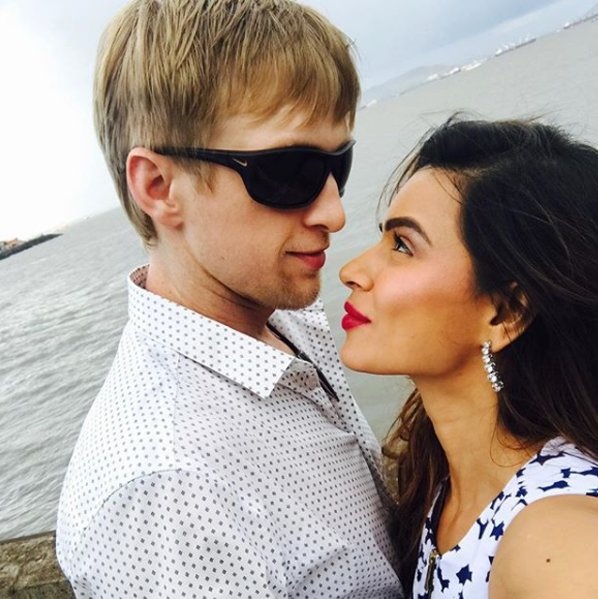 aashka goradia and brent goble share a cute moment