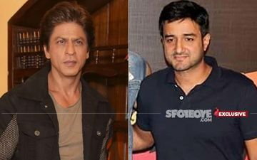 Shah Rukh Khan Is Doing Siddharth Anand's Pathan, Filmmaker Puts WAR  2 On Hold- EXCLUSIVE