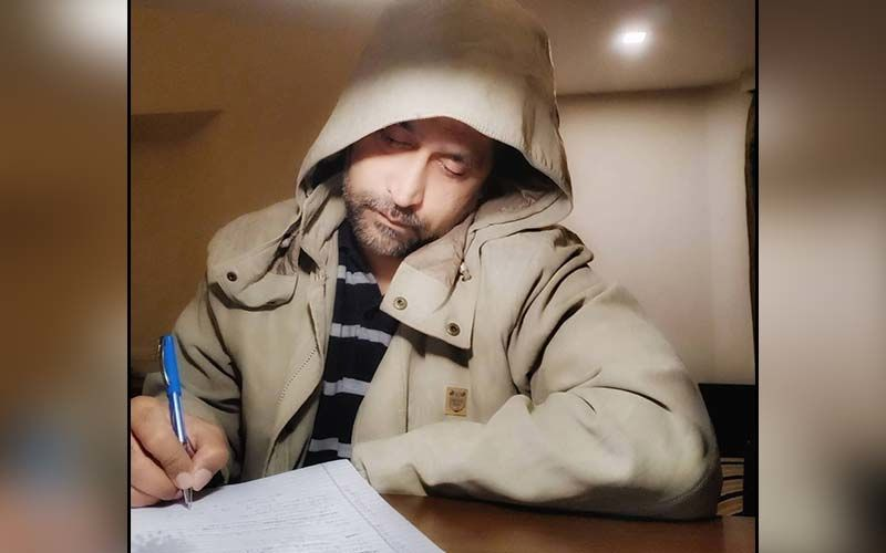 Chinmay Mandlekar Enjoys Writing In Mussourie In A Chilling 4 Degrees