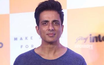 Sonu Sood Shares The Unbelievably Long List Of Help Messages He Receives; Apologises If He Missed Replying To Any As It's Not 'Humanly Possible'