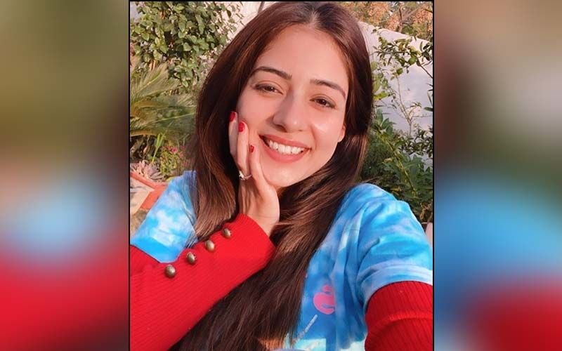Actress Tania Flaunts Her Million-Dollar Smile In A Floral Suit; Shares Pics On Insta