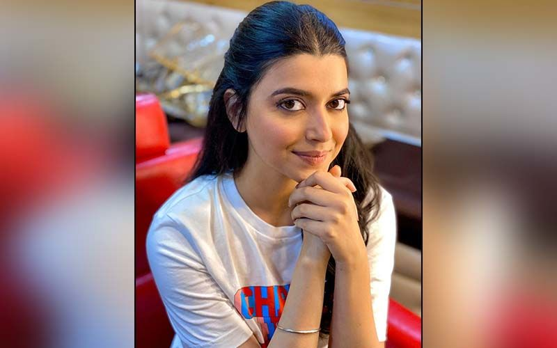 Nimrat Khaira Oozes Ethnicity In A Stunning Suit; Ladies Take Hints From Her