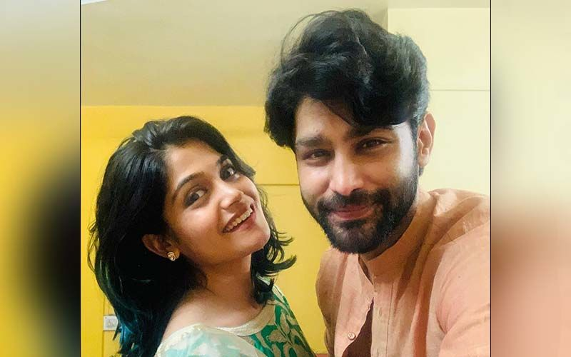 Isha Ketkar's Wishes For Beau Rishi Saxena On His Birthday Are Purely Adorable