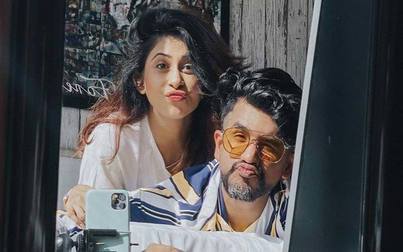 Preggers Kishwer Merchant Is Taking Delivery Lessons From Rachel Green And Ross From Friends- WAAH