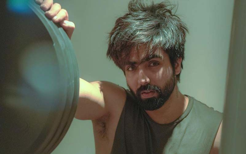 Harrdy Sandhu's Workout Pictures Will Inspire You To Sweat It Out More; Have A Look