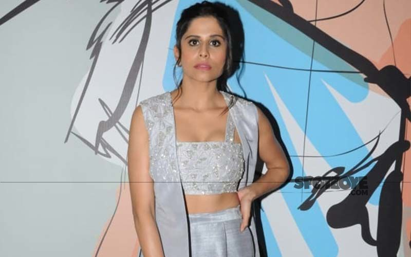 Sai Tamhankar's Dhoti Style Saree Wrap Is Trending On The Internet Today