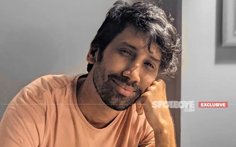 TVF Aspirants Actor Abhilash Thapliyal On Doing Political Satires: 'It Is A Sad Situation If You Feel Scared Before Speaking Up'-EXCLUSIVE