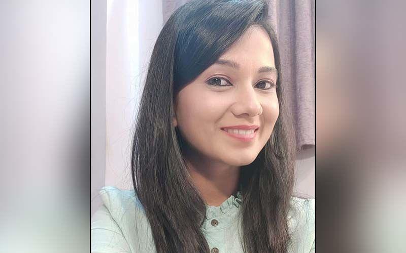 I Know, I'm Worth It..!' Aai Kuthe Kay Karte Star Radha Sagar Slays The Black Jumpsuit Look