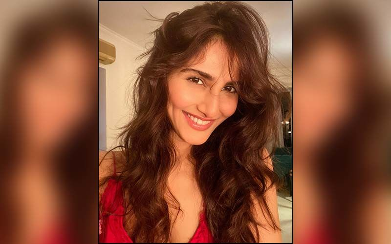 Vaani Kapoor's Elegant Looks for Bell Bottom Promotions Are A Lesson In How To Dress Stylishly Chic